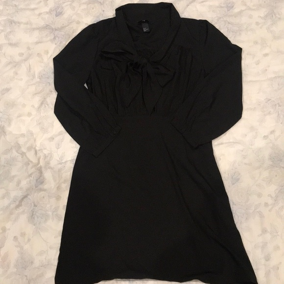 H&M Dresses & Skirts - Semi Casual H&M Lightweight Dress